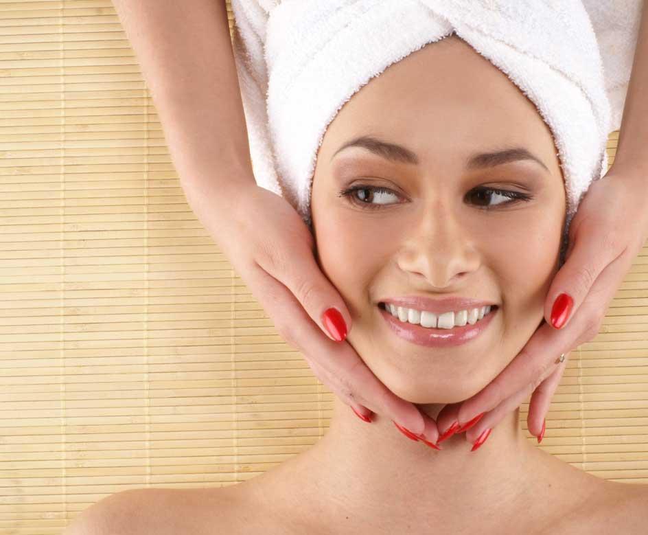 Peeling Facial chimic sau cu laser